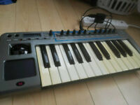 NOVATION XIOSYNTH SYNTHESIZER MIDI KEYBOARD CONTROLLER
