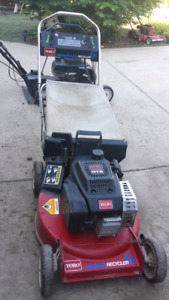 COMMERCIAL LAWNMOWERS