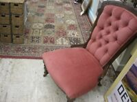 VINTAGE ORNATE NURSING CHAIR. GREAT CONDITION. ORNATE BUTTON BACK, VERY WIDE SEATED. VIEW/DELIVERY