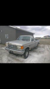 1990 Ford, F 250, fuel injected, needs some repairs.