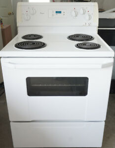 Nice and Clean Whirlpool Stove