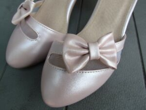 Supercute pastel pink shoes brandnew, size 6