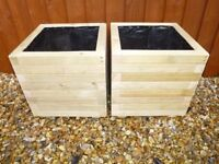 A PAIR OF LARGE, 400mm SQUARE, PROFESSIONALLY MADE, WOODEN GARDEN PLANTERS/POTS/TUBS/TROUGHS