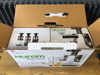 Hurom Slow Press Juicer - Excellent condition