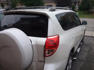 2008 Toyota RAV4 mint condition with sun roof