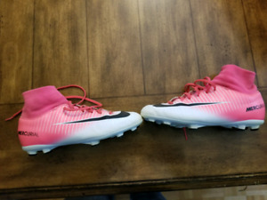 Soccer cleats Mercurial size 5.5 worned 10-15 times value 90$ +