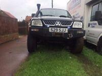 l200 4x4 mitsibushi jeep