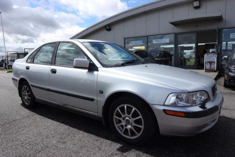 2003 53 VOLVO S40 1.9 S 4D 136 BHP