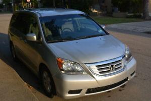 2010 Honda NHL® Odyssey SE minivan