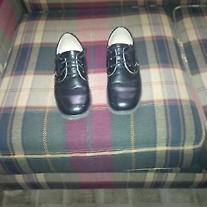 Boys' black dress shoes. Size 6.