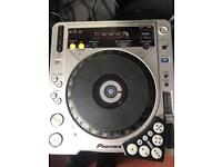 Full DJ set up, pioneers CDJ 800 MK2's