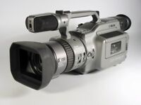 Sony DCR-VX1000E video camcorder – In very good condition, fully functioning with battery & charger