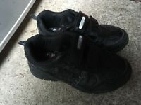 Boys kids size 10 school shoes Spider-Man style excellent