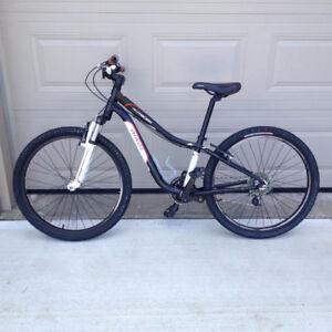 """26"""" Specialized Boys Mountain Bike"""