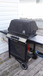 Broilmate Natural Gas BBQ with hose