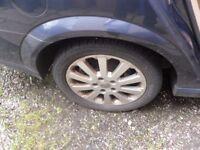 ****** vauhall alloy wheels 205/50/16 ******