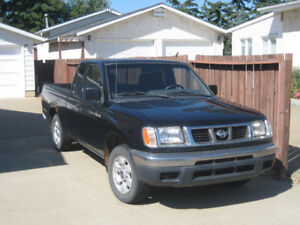 1998 Nissan Frontier King Cab Pickup Truck