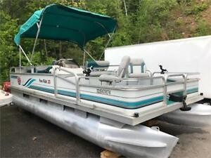 ***CLEAN CLEAN CLEAN*** 20' SUN TRACKER FUN FISH PONTOON 40HP