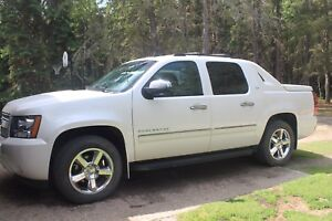 Very Very Clean 2012 Chevrolet Avalanche
