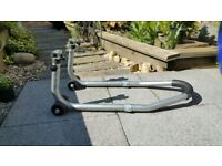 BIG BIKE PADDOCK STAND HEAVY DUTY GOOD CONDITION NOT YOUR USUAL FLIMSY RUBBISH