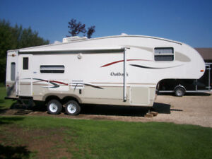 27 ft fifth wheel.Outback