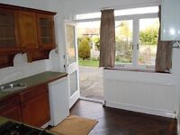 BRIGHT AND AIRY STUDIO LOCATED MINS FROM STATION AND WIMBLEDON PARK