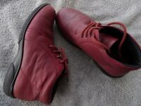 Easy B Leather ankle boots in Plum colour size 6