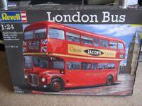 REVELL LONDON BUS MODEL KIT 1/24 SCALE