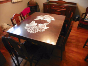 9 Piece Wooden Dining Room Set