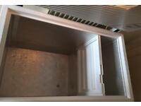 Chest freezer 1020 x 630 x 850mm
