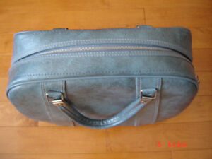 Vintage Blue Leatherette Tote Bag - Very Good Condition!
