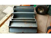 Metal cantilever toolbox old school vintage