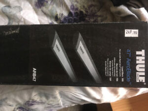 New Thule aeroblades still in box never used