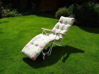 Sun loungers, as new, 3 pieces.
