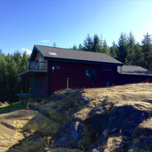 Amazing Oceanfront Home on 10 Acres With Helipad Cortes Island