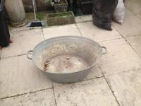 Large tin bath
