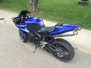 LOW km Yamaha R1