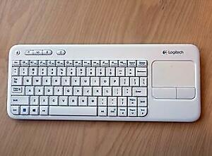 Logitech Wireless Touch Keyboard K400, French CDN Layout, White
