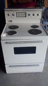 free working fridge and stove