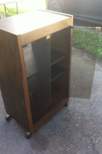 Stereo system cabinet