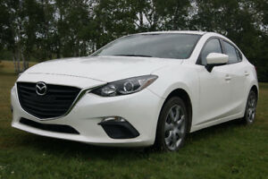 2015 Mazda Mazda3 like new Sedan LOW LOW PAYMENT
