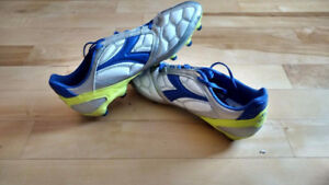 Diadora cleats for MEN size 11