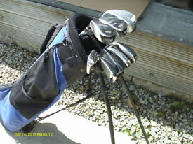 LADIES/TALL JUNIOR RIGHT HAND GOLF CLUBS WITH BAG