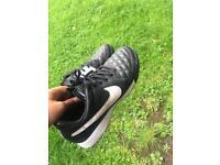 Football Boots / Astro