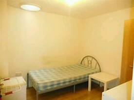 Single room with single bed furnished in Stoke near staffs university