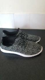 Men's size 10 fitness trainers