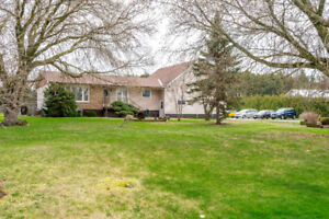 471 County Road 38 Campbellford- FOR SALE- MECHANICS DREAM