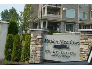 Open House! Spacious 2b/2b ground floor condo with mountain view