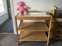 'Babies R Us' Baby Changing Table