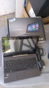 """2 in 1 ultraportable laptop with 10"""" table"""
